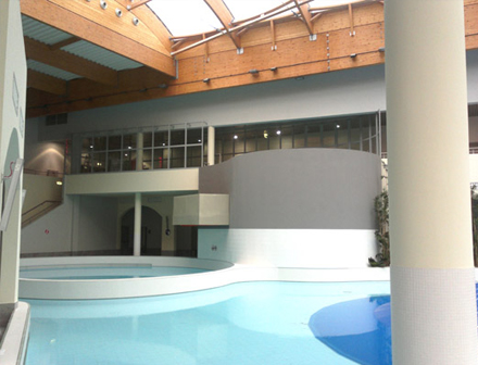 Fire rated glass walls, doors and partitions for swimming pools and leisure centres throughout the UK